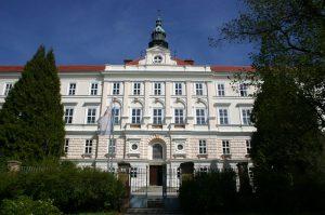 Schulansicht des Erzbischöflichen Gymnasiums Hollabrunn