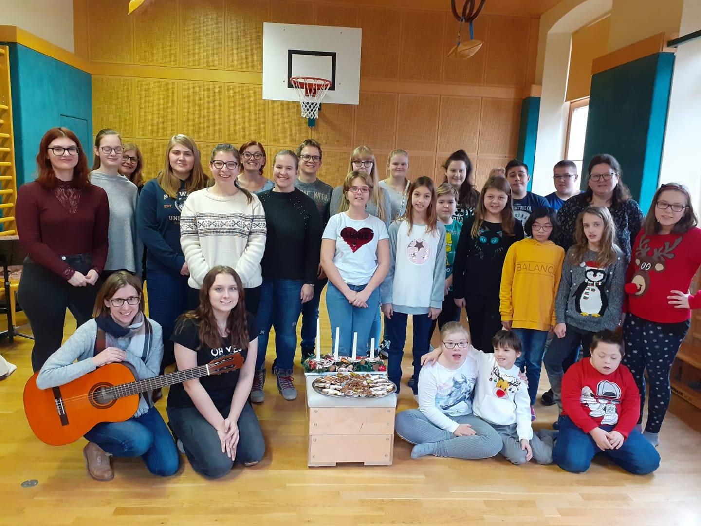 WPF Musik: Auftritt in der Allgemeinen Sonderschule